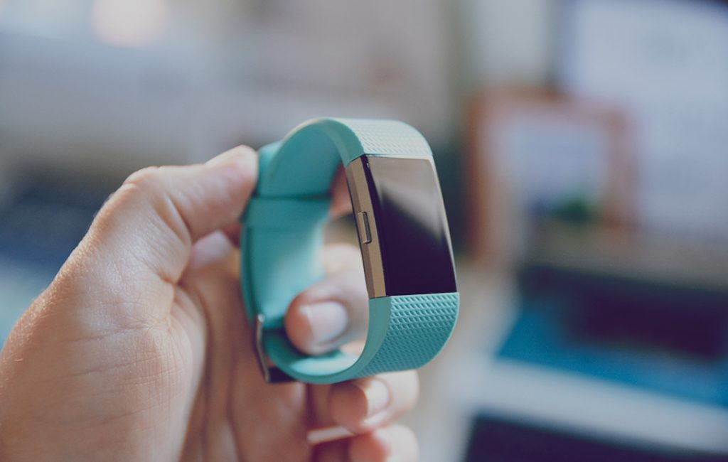 recension-fitbit-charge-2-blogg-1